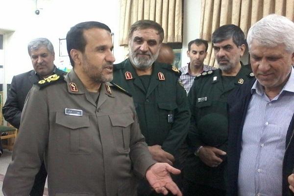 بازدید سرتیپ کارگر از مرکز فرهنگی دفاع مقدس دزفول و مزارشهدای گمنام